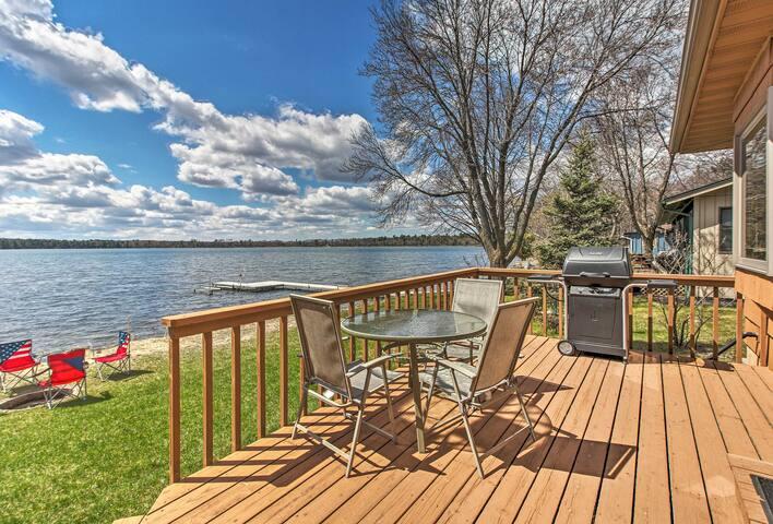 Lakefront Nisswa Cabin w/ Spacious Deck & Kayaks!