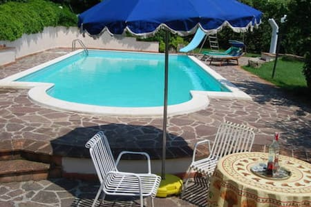 House w/ Swimming pool 1h from ROME - Villa