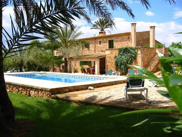 Habitación con terraza privada en Agroturismo.