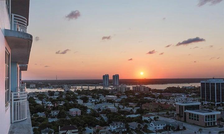 Daytona Oceanfront Getaway