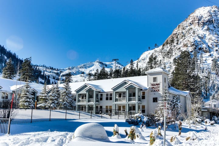 Ski-in/Ski-out home in Squaw w/pool, hot tub, great location