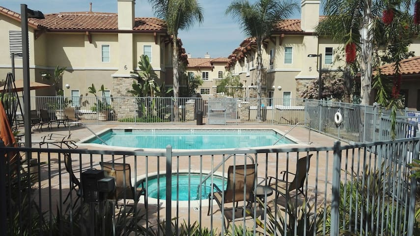 Master room, private entry 安静安全独立大房 - West Covina - Daire