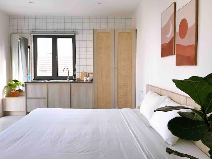 Santorini Studio w Private Stair n Bathtube n Pool