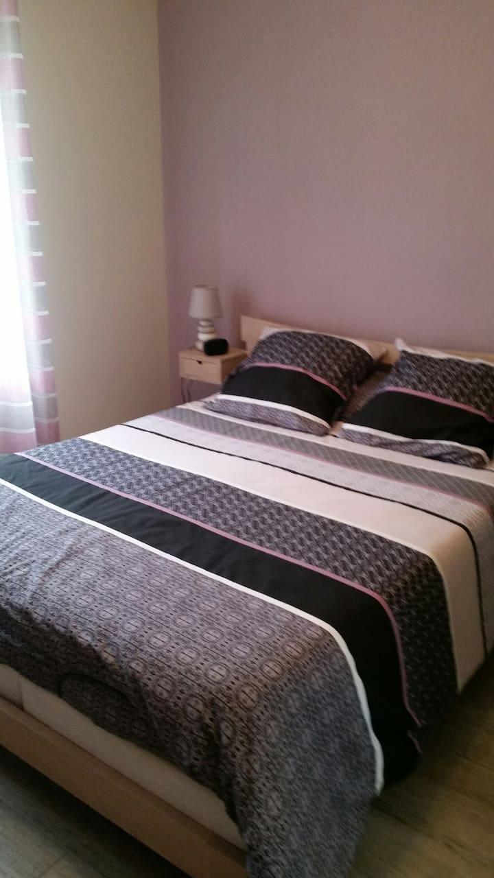 Chambre calme dans bocage Virois avec SDB privée
