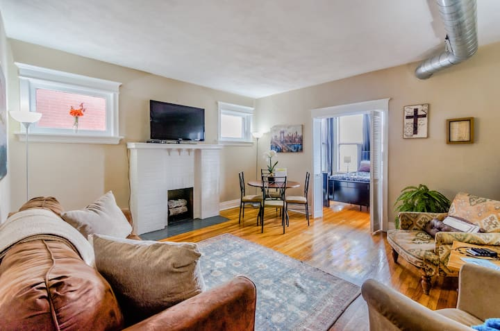 Entire St Louis 2 Bed1 Bath by Forest Park, WashU