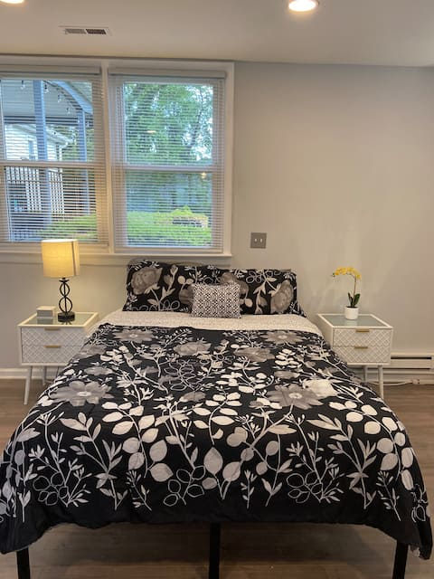 Private guest suite in the city of Fairfax