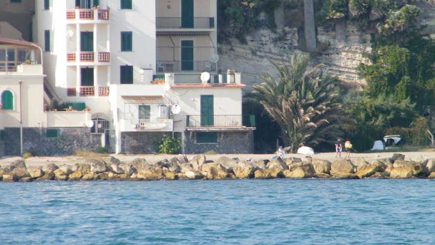 Una bella casa sulla spiaggia ! - Nettuno - Maison