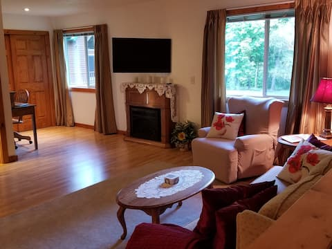 New Auburn Guesthouse-Relax, Rejuvenate or Explore