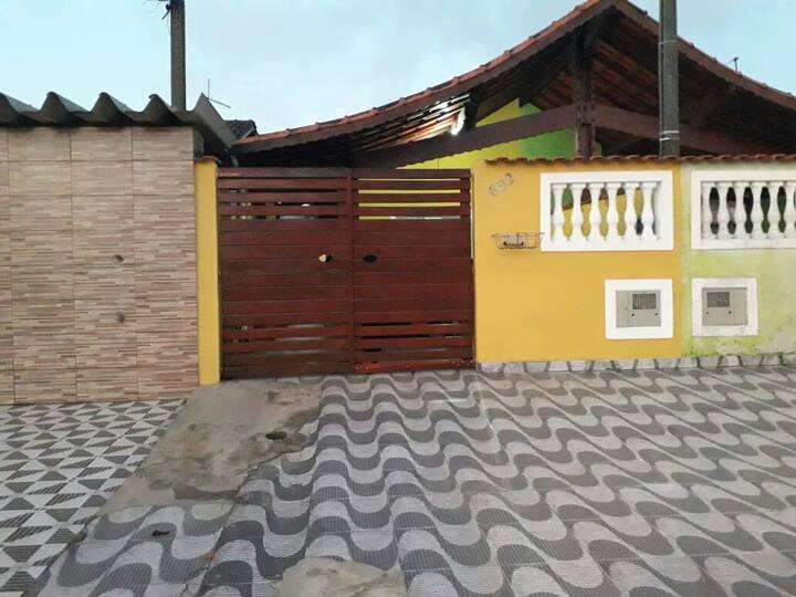 Casa para temporada em Mongagua 11 984316852