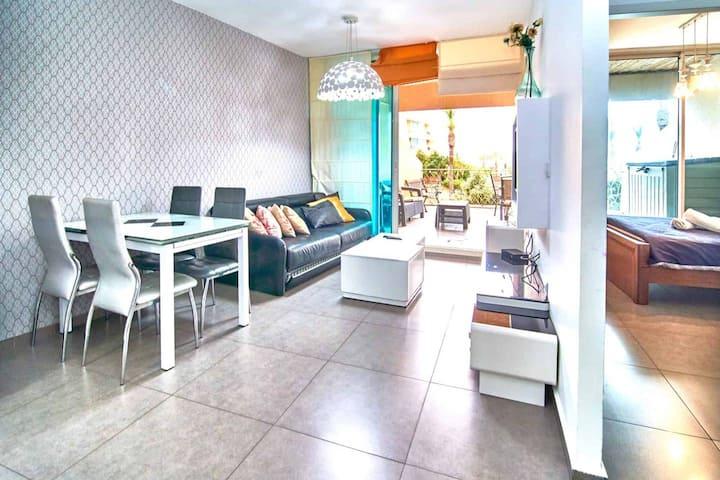 Cozy Suite in Caesaria