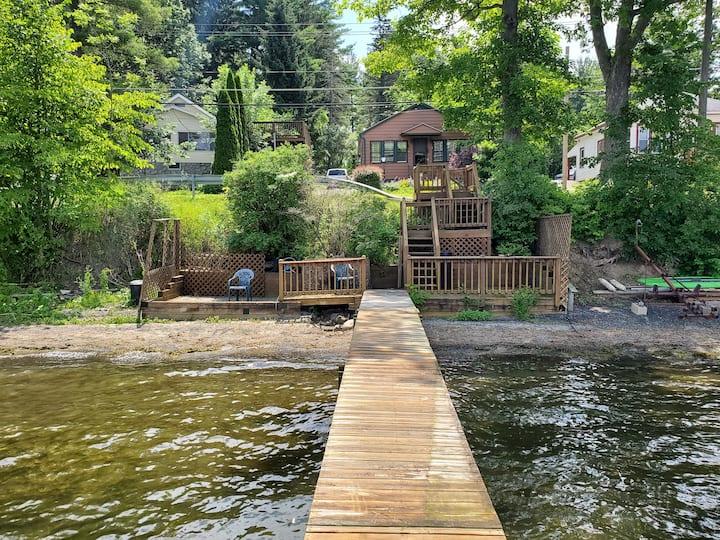 Saratoga Lake Cottage Deck & Dock -15min racetrack
