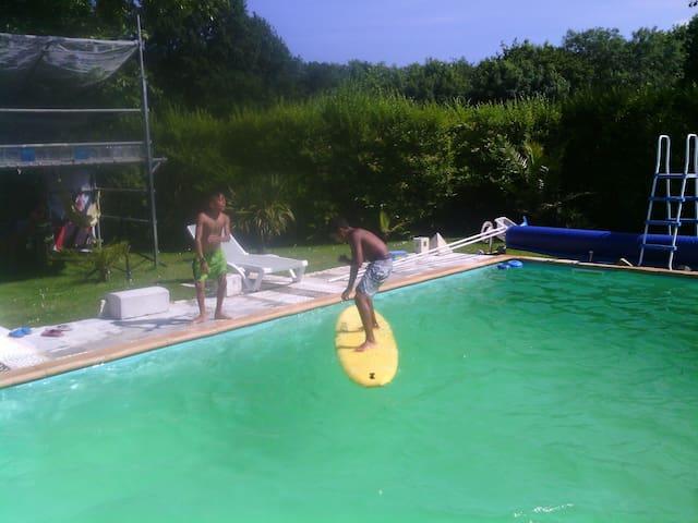 chambre au calme et piscine - Saint-André-de-Seignanx - Huis