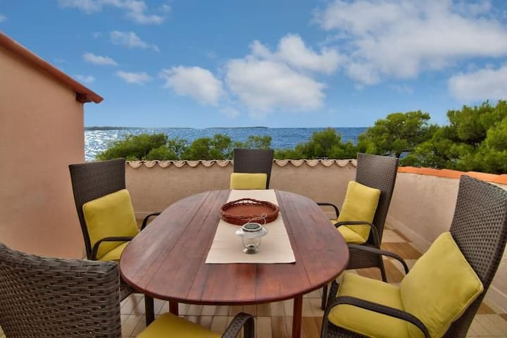Apartment Belvedere- 10 m from the sea