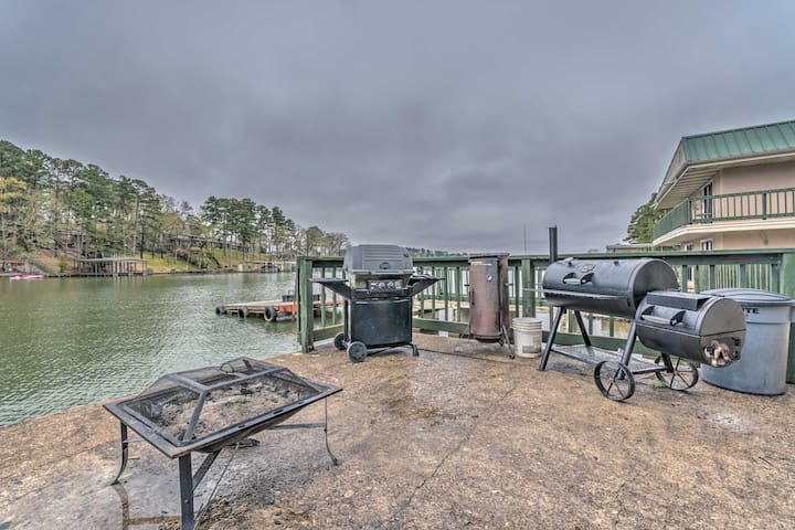 NEW! Couple's Retreat Right on Water w/ Boat Ramp!
