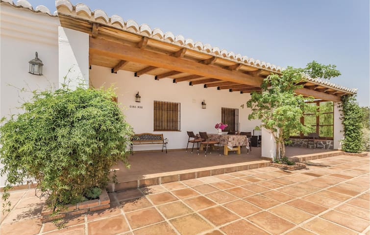 Holiday cottage with 2 bedrooms on 120m² in Pizarra