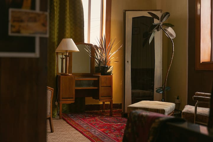 【 Tropic of Cancer•北回归线 】伍尔芙的房间 西湖-馒头山-树林边的家