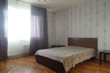 Квартира в районе ТРЦ Планета - Krasnoyarsk