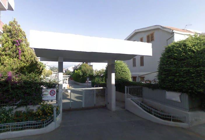 Villetta a 200mt dal mare vicina al centro - Scalea - House