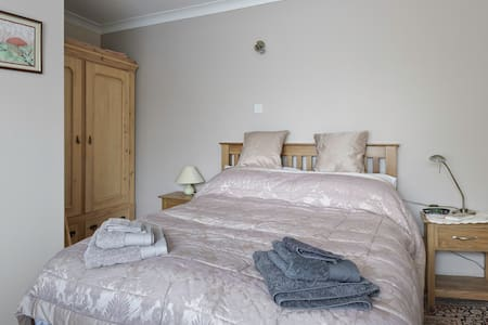 Quiet comfortable self-catering one bed flat. - Canwick - Appartement