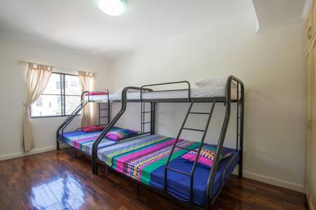 合住房上铺2 - โคตา กินาบาลู