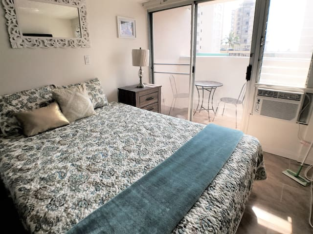 NEW LISTING!!!! ALL YOU NEED IN WAIKIKI!!! KV502A - Honolulu - Wohnung