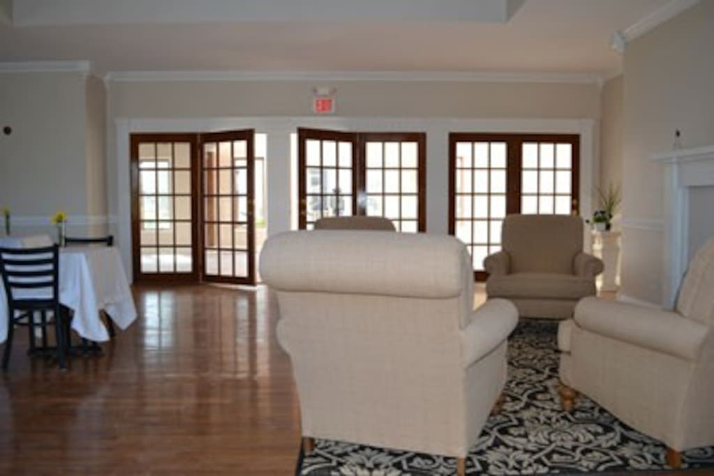 Great Room - relax together with plenty of space to enjoy your time.