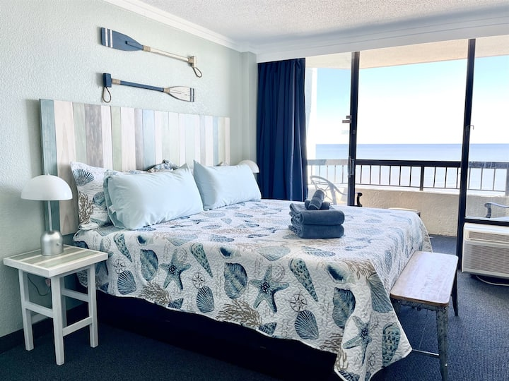 ★OCEANFRONT★ ♛King Bed★Sm Dog OK★AMENITIES★Compass Cove★W69