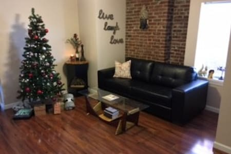 Newly Renovated, 3rd Floor Walk Up in Soulard - St. Louis