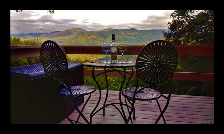 The Getaway:  Quiet / Cozy / Picturesque views!