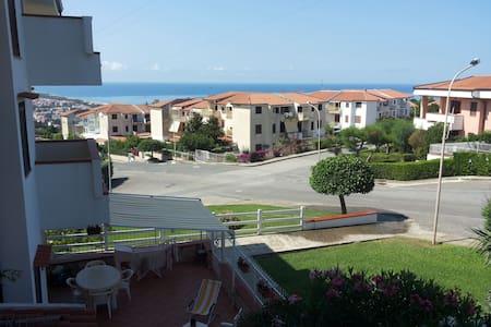 Appartamento Bi-locale in villaggio La Bussola