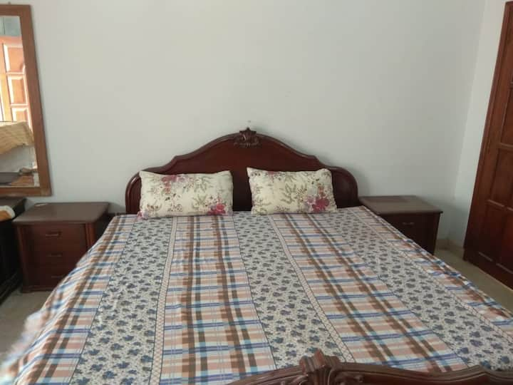 Ideal Location and Memorable Stay - #Karachi