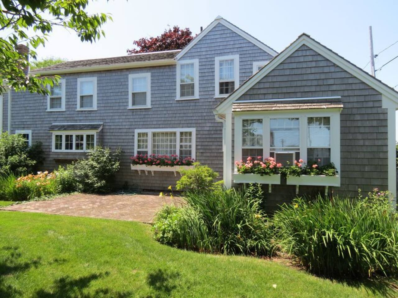 A beautifully maintained, classic Chatham property, from which you can walk to everything in town