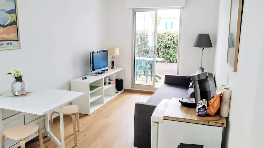 ARCACHON-Studio 300m from the Beach and Shops