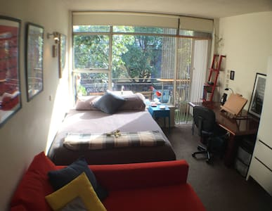 Cozy & bright studio heart of Surry Hills - Surry Hills