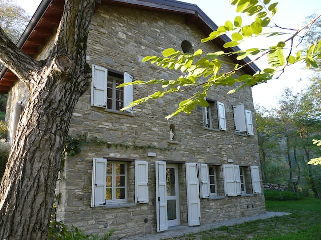 Cianica di Pietra,gorgeous traditional stone house