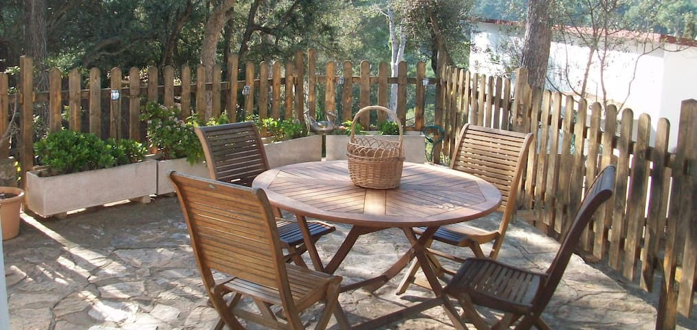 Nice apartment located in the residential Sol Pins I, just 10 min. on foot from the beach - Tamariu - Huoneisto