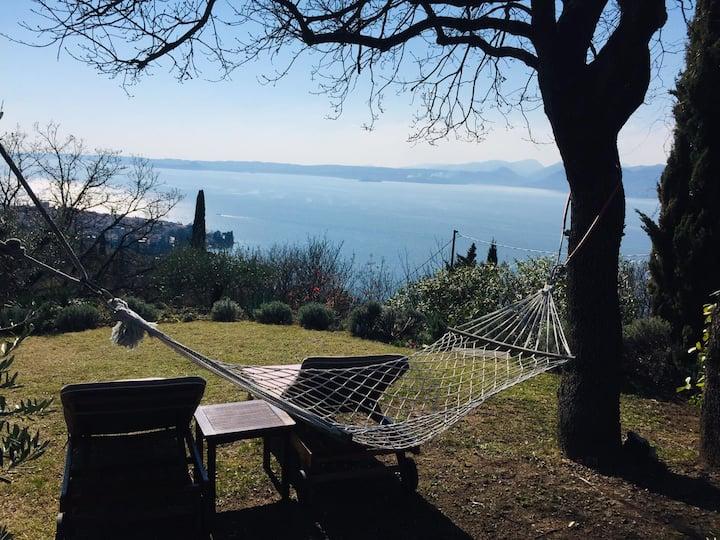 """""""Mazurine10"""", un'oasi di pace sul Lago di Garda"""