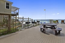 Exterior-Grill Pool Area-KLH8210.JPG