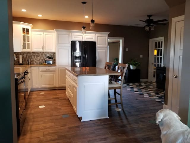 We just completed our kitchen remodel! Guests are welcome to use the kitchen.
