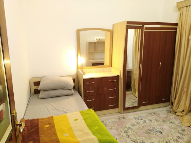 SingleBedRoom in Villa with Garden