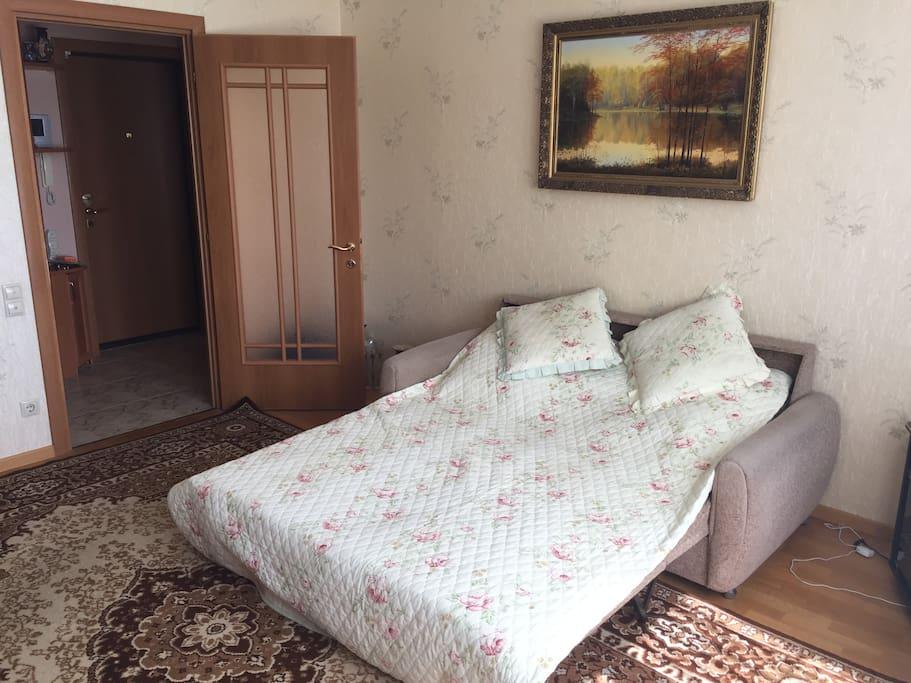 Кровать готова к приему гостей 2