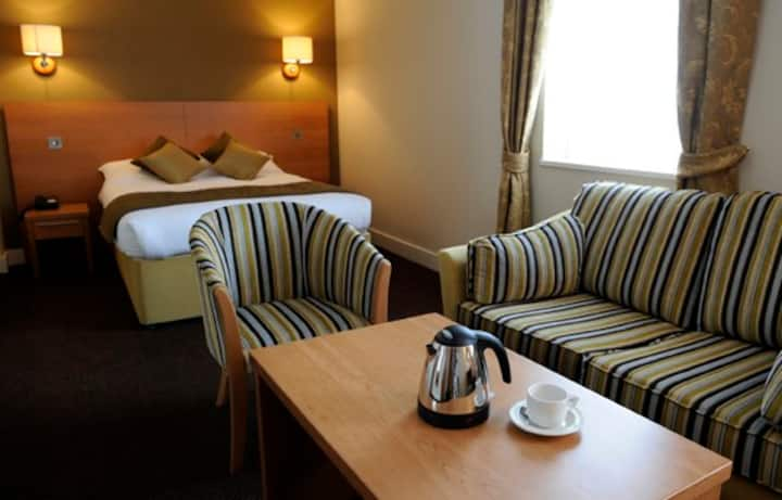 The Golden Lion Hotel City Centre - Family room