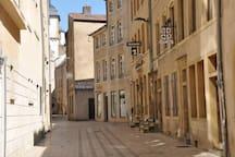 Rue de la Tour, rue en hyper centre très calme