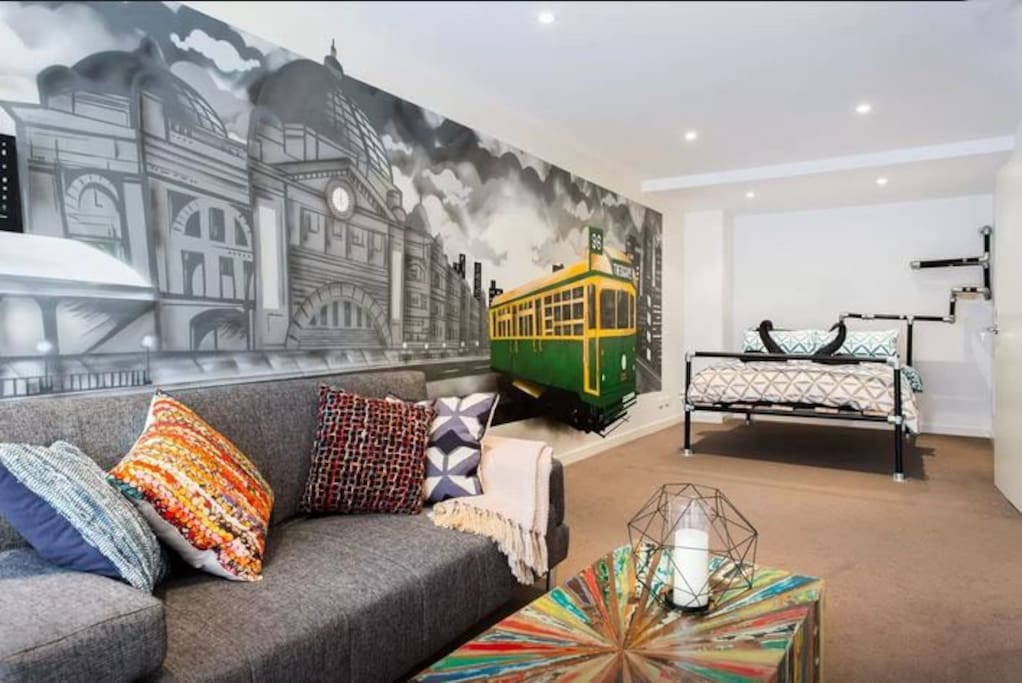 the escape 3 story townhouse in trendy brunswick e townhouses for rent in brunswick east. Black Bedroom Furniture Sets. Home Design Ideas