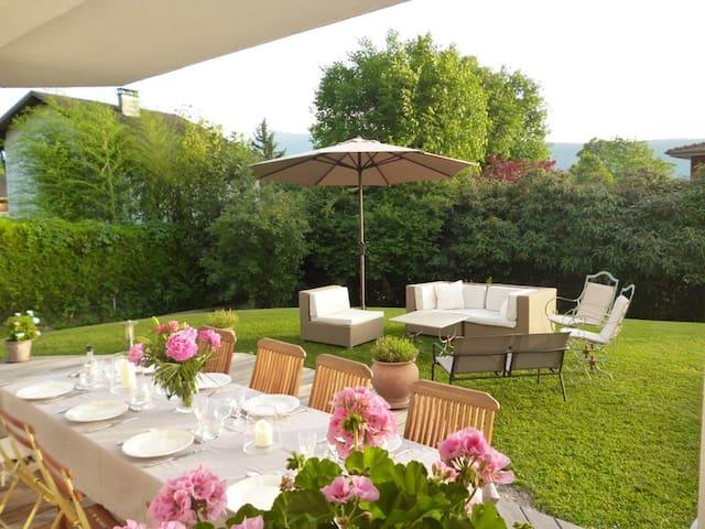 Belle villa de très bon standing pour 8 personnes. - Veyrier-du-Lac - Rumah
