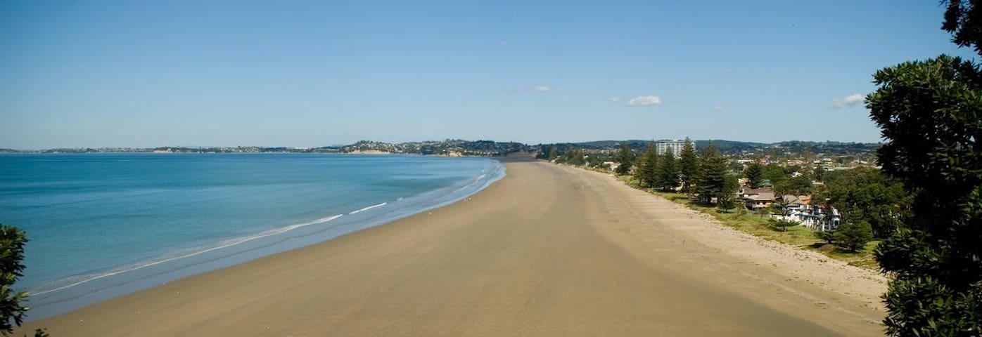 Escape to a Coastal Paradise - Orewa - Hus