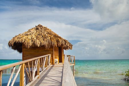 Overwater Bungalow at Thatch Caye - Bungalow