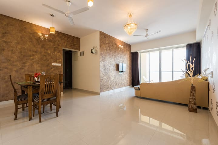 Master suite(3 Bedroom) nr metro mall Borivali e