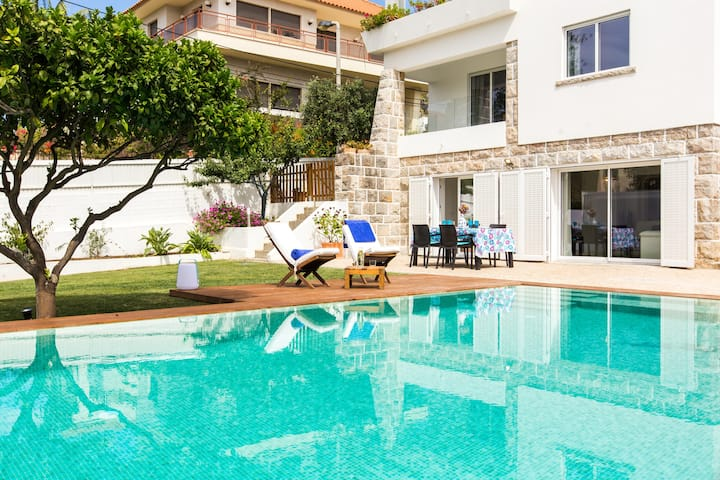 Villa Zambujeiro - your home next to Estoril coast