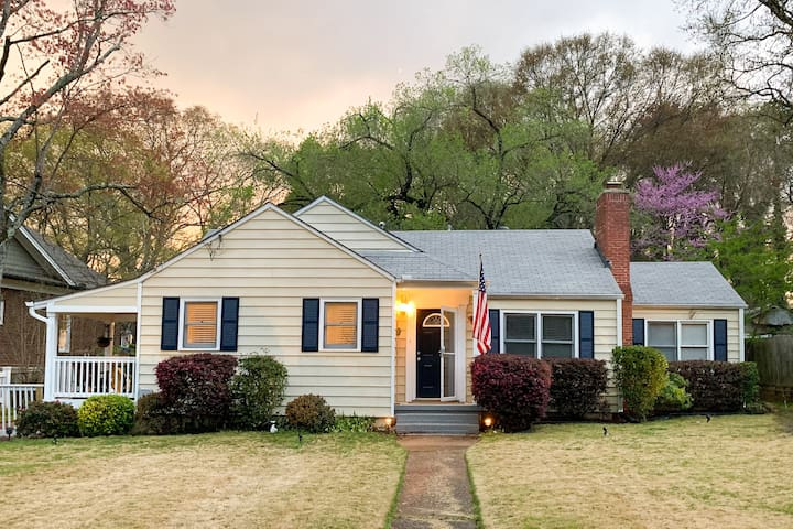 Sunny and lovely home near everything in Decatur